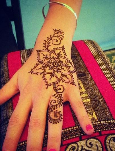 Henna Flower Tattoo Designs Wrist: 40 Delicate Henna Tattoo Designs