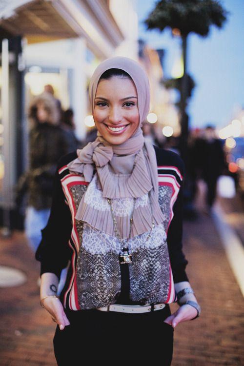 modeststreetfashion:  Noor Tagouri | Washington D.C. #ModestStreetFashion By: Langston Hues