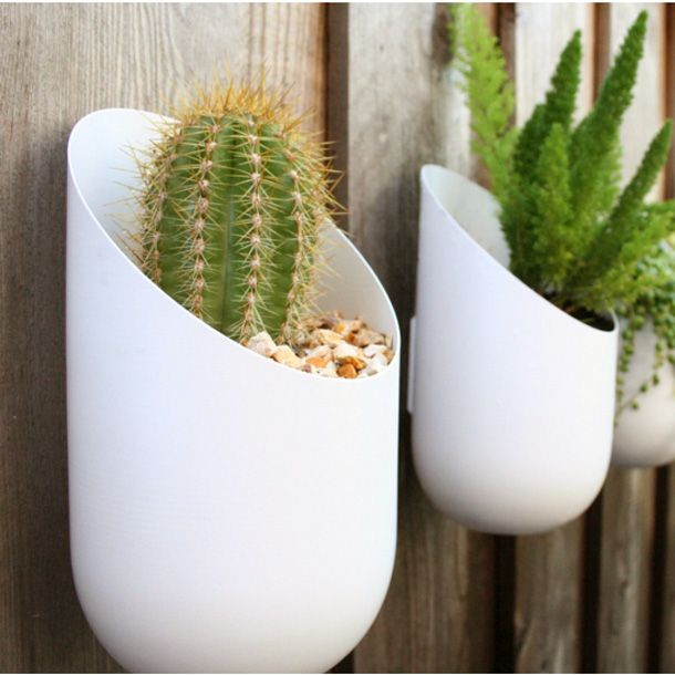The Wallter Wall Planter Is One Of Those Fabulous Home Decorating Ideas That Makes You Re Think Your Outdoor Arrangements This Modern Accessory