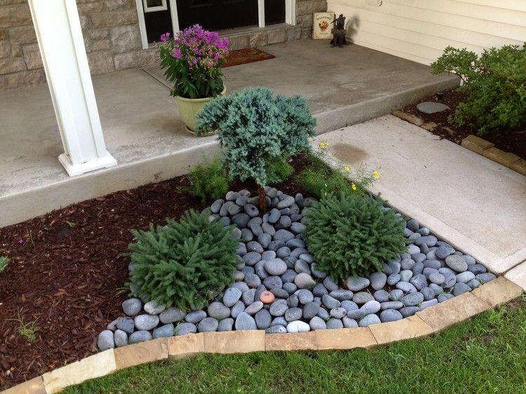 steinbeet-vorgarten-mulch-kleinwuechsige-koniferen-graue - ideen gestaltung steingarten