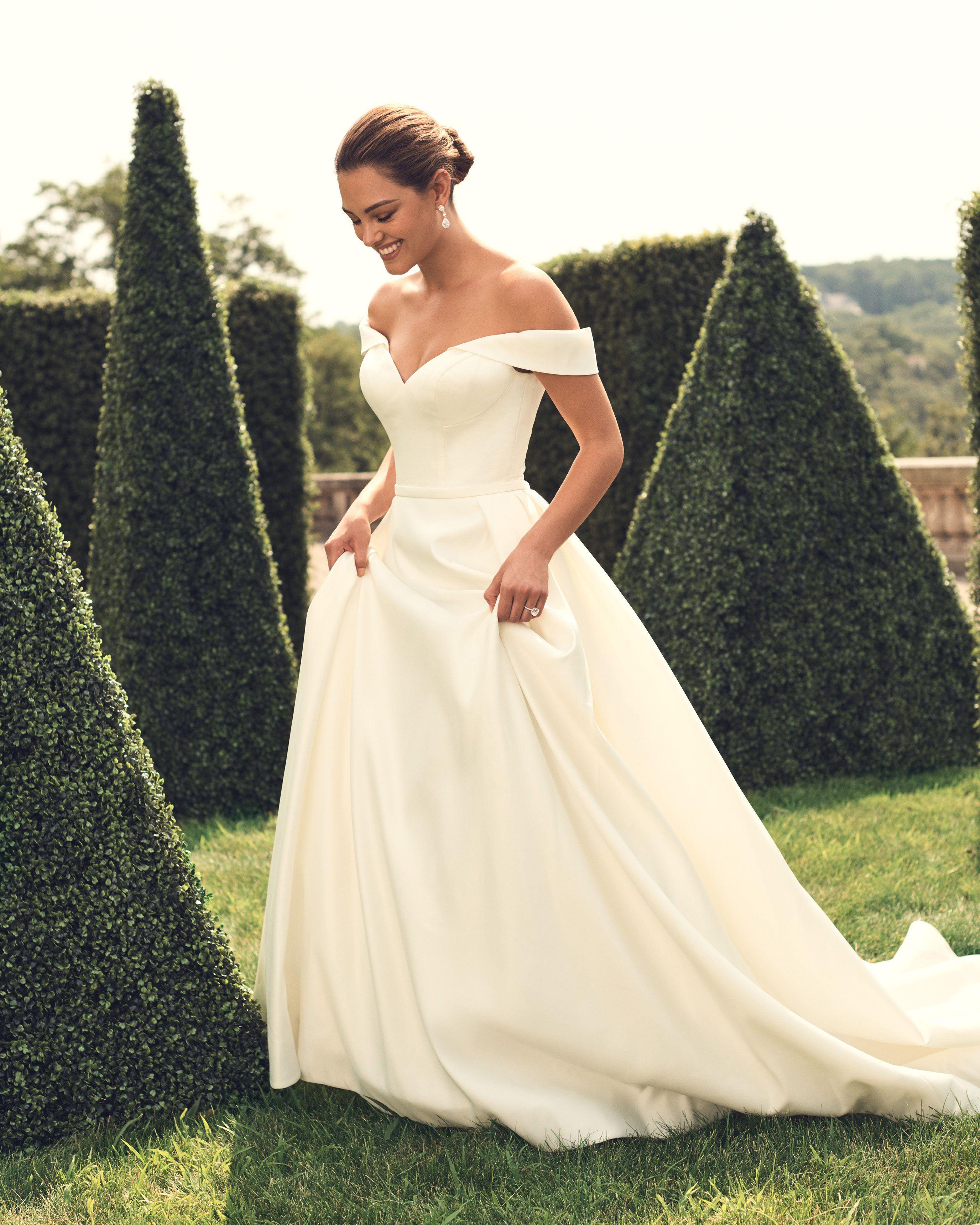 Off The Shoulder Satin Ball Gown Wedding Dress David S Bridal Ball Gowns Wedding Davids Bridal Wedding Dresses Ball Gown Wedding Dress [ 3440 x 2752 Pixel ]