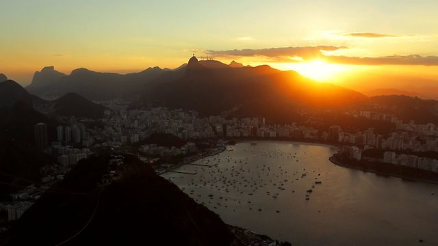 "Watch Great ""A day in Rio De Janeiro"" by Joe Simon Films #TimeLapse #infinitecreative http://vimeo.com/48378823#"