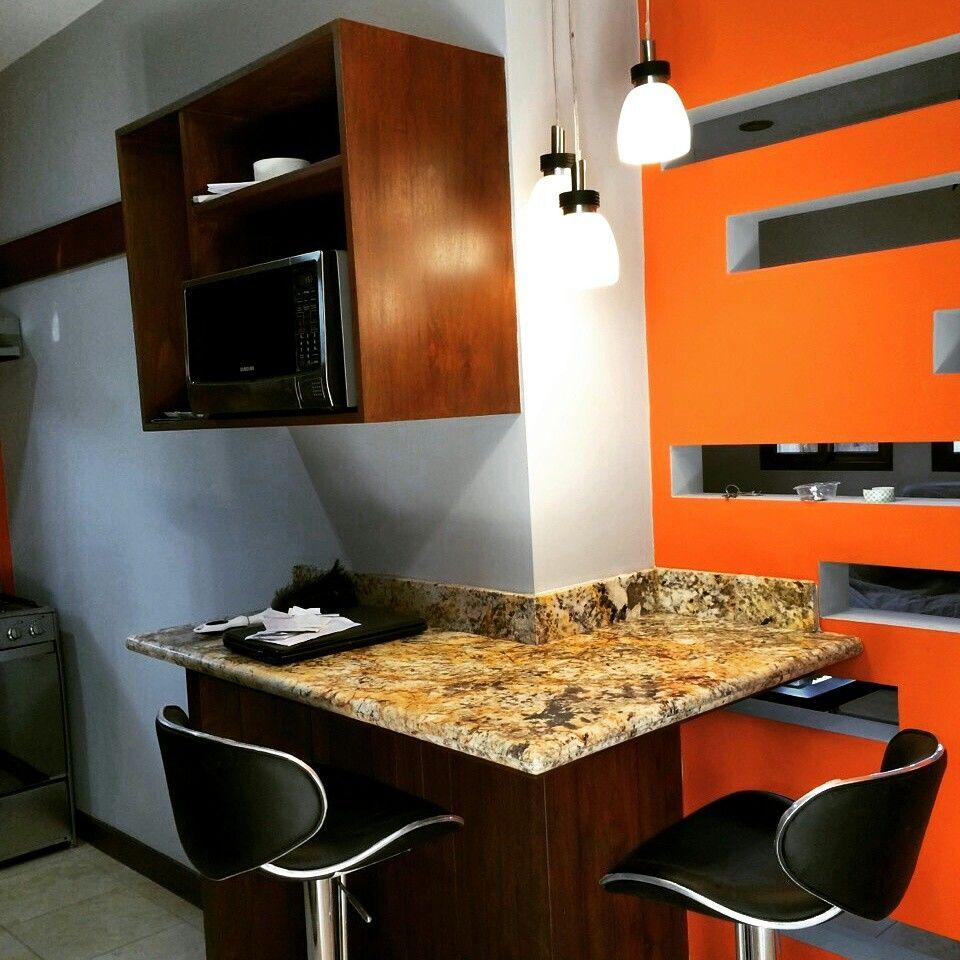 Barra desayunador espacios peque os cocinas for Desayunador pequeno