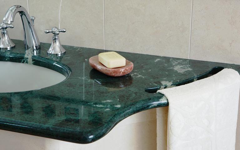 Risultati immagini per piano cucina marmo verde guatemala ...