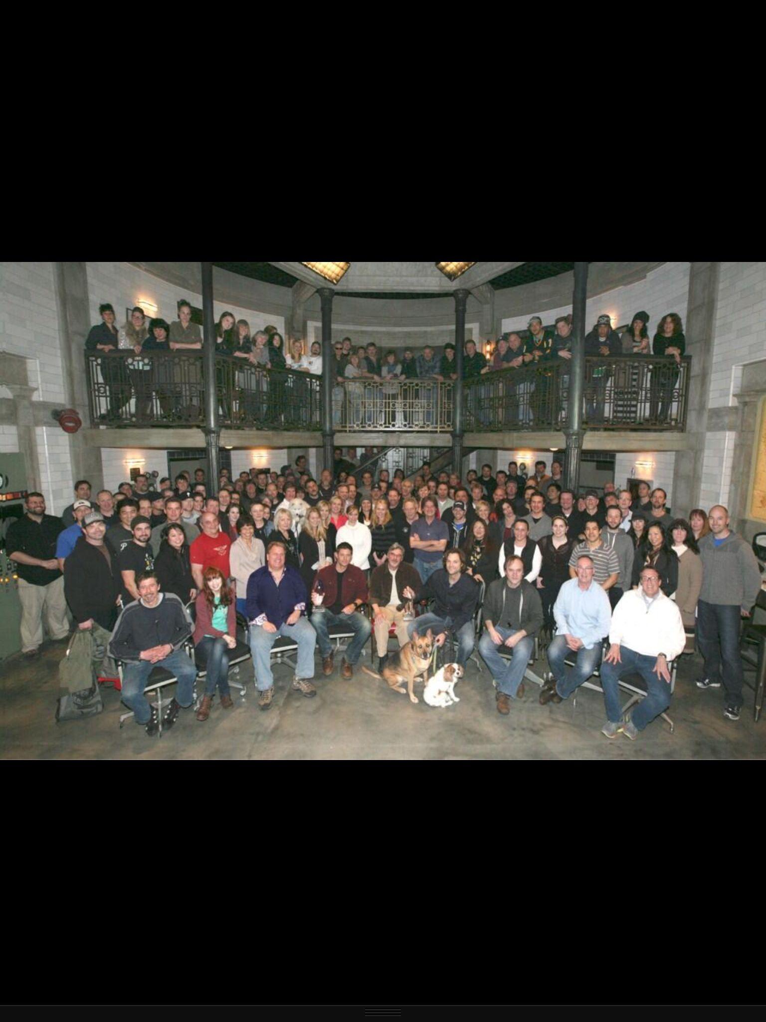 Season 8 Cast & Crew pic