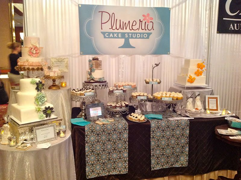 wedding cake bridal expo cake boothe plumeria cake studio our bridal expo booth 22083