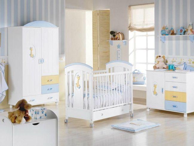 babyzimmer gestaltet blau weiß orange giraffen micuna