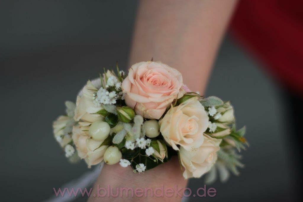 Blumenanstecker// Anstecker mit Blüte   Rose  champagner//rose  Hochzeit  Neu
