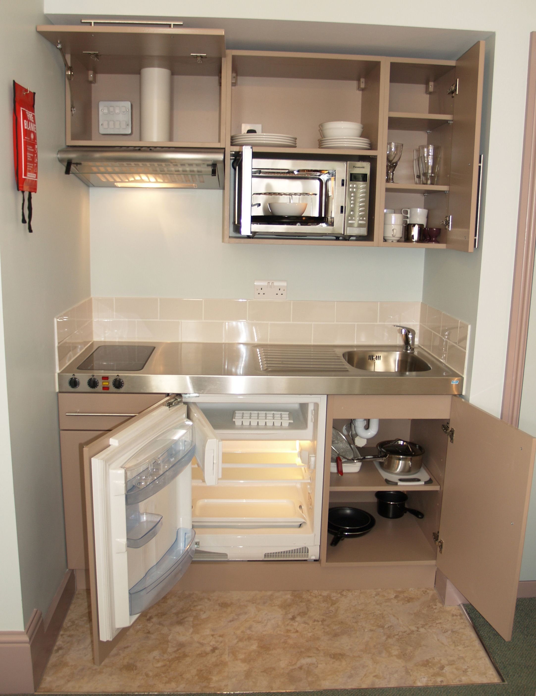 project bespoke kitchenette in hotel room to offer guests self