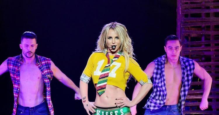 #Gossip Wow! Britney Spears Showcases Body in New Swimsuit... https://t.co/vi5y4I3nVm