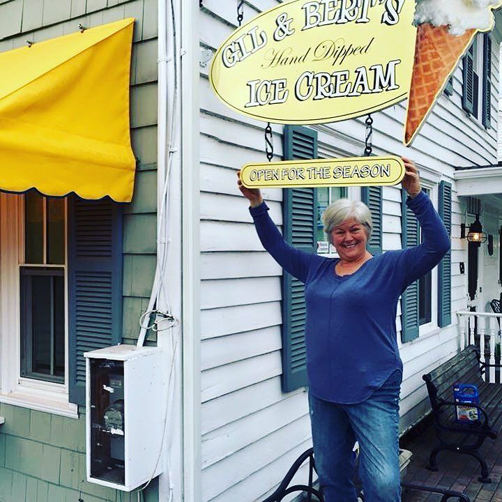 In honor of National Small Business Week I'm saluting my favorite local small business - Gil & Bert's ice cream in Cranbury NJ! @theupsstore #SmallBizSalute #contest #photochallenge
