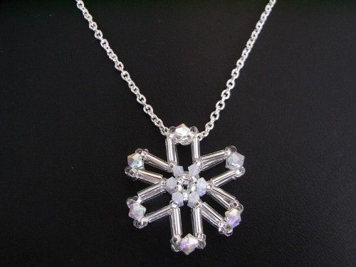 Beaded  Snowflake Charm Tutorial TWR024