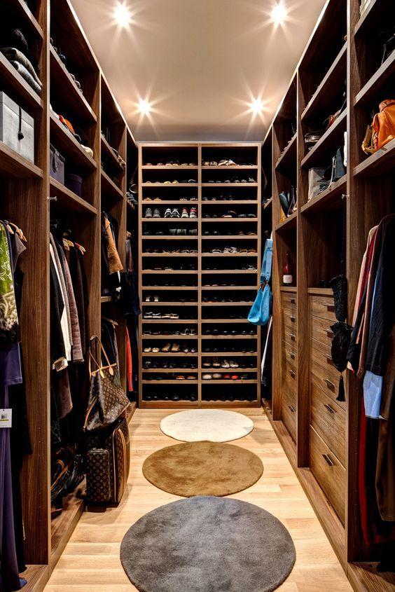 16b4d3abe6 7 ideias de closet estreito - Fashionismo