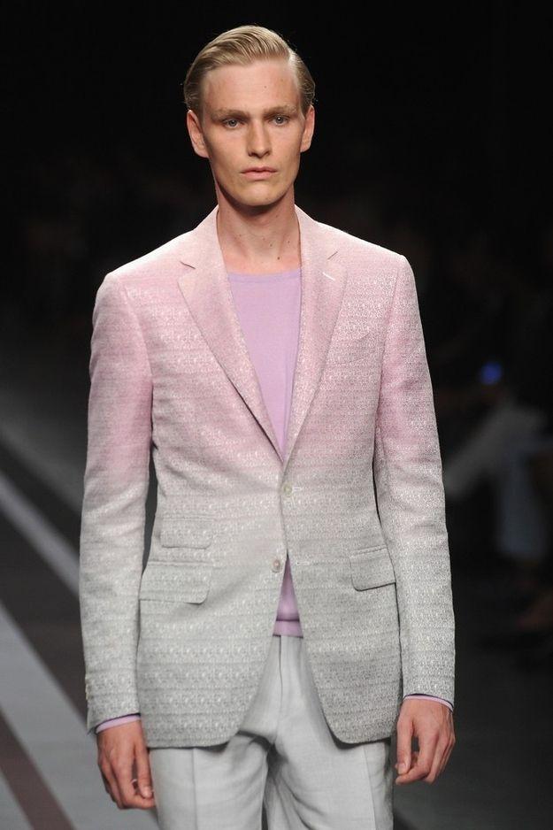 Auch Männer tragen Pastellfarben. Hier ein Look in Ombre. #pastell #pastel #pastellook #fashionforman