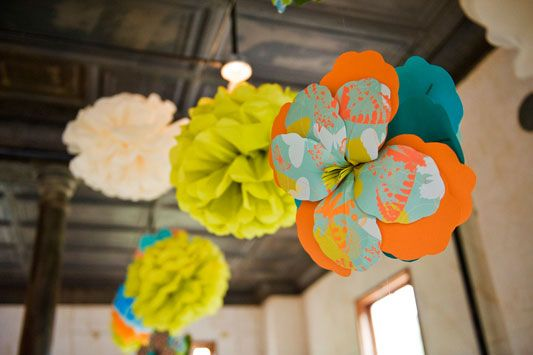 'i do' it yourself: DIY project: giant paper hibiscus