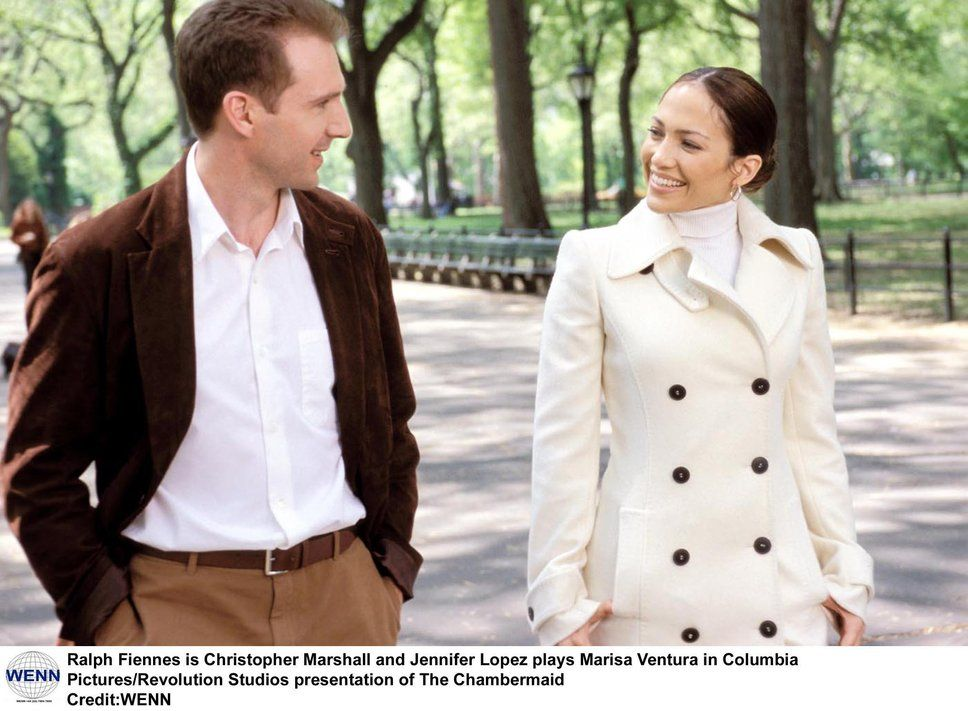 Jennifer Lopez And Ralph Fiennes Walk In Central Park During A Scene