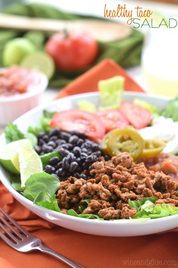 This Healthy Taco Salad is so delicious, and so filling, but without the chip and salsa hang over you get from your favorite Mexican restaurant. #tacosalad