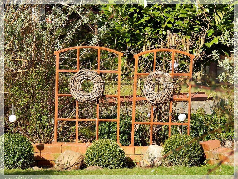 Alte Fenster Als Deko Im Garten alte fenster bilder und fotos dekoration alte