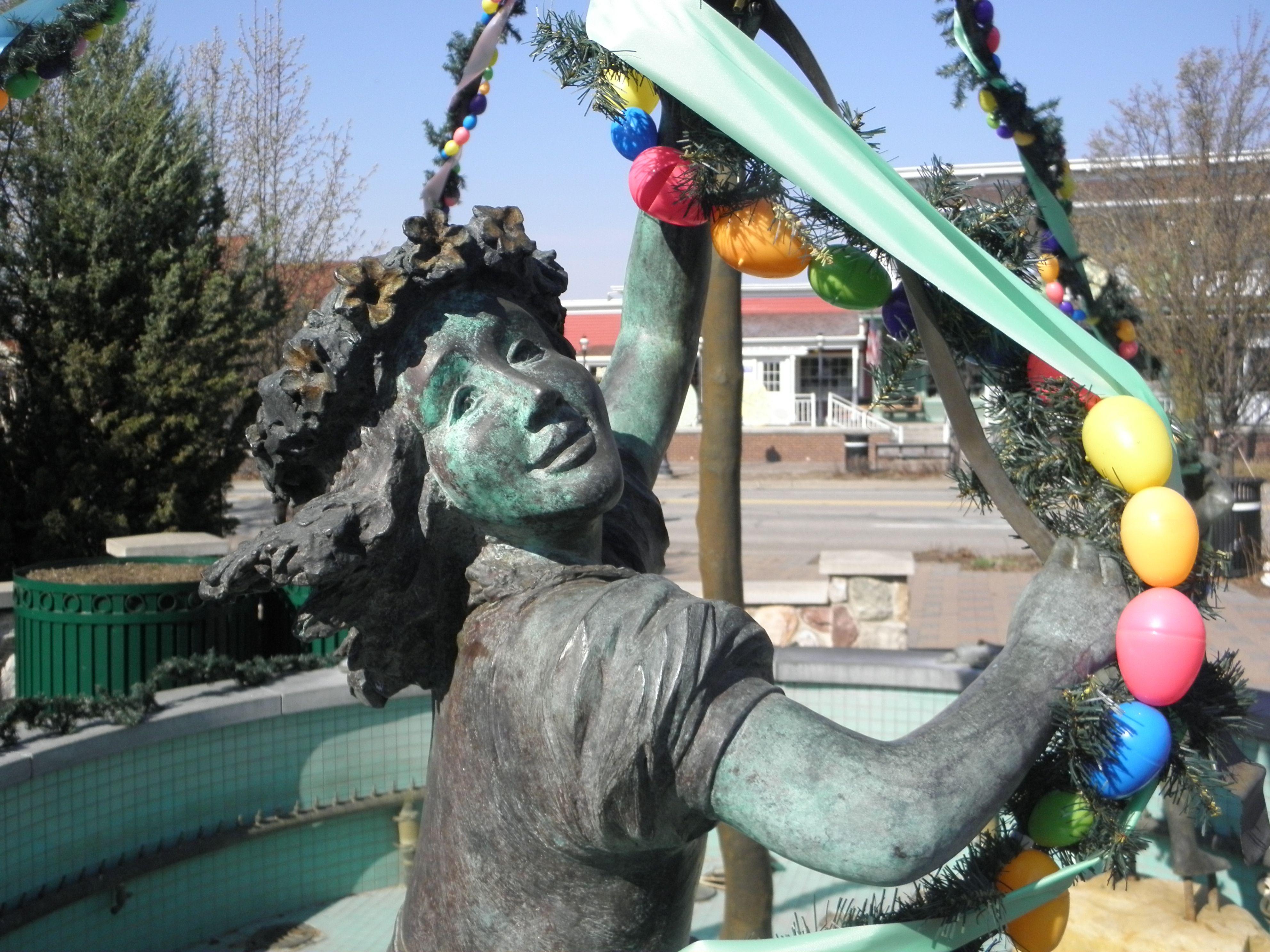Maypole Dance Frankenmuth Mi Beltane Christmas Wonderland Dancer Statue