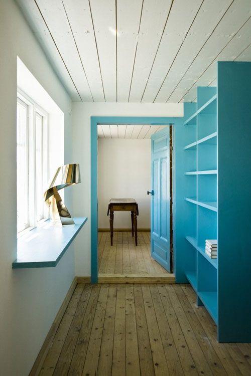 turquoise accents Chalet, Rangement et Couleurs - Peindre Un Encadrement De Porte