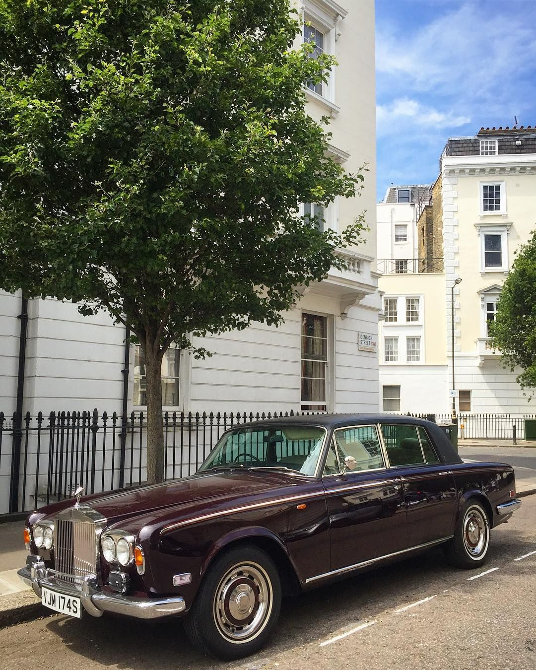 Supercar Duo Luxurycorp Rollsroyce: Rolls-Royce Silver Shadow @supercars_and_classic On