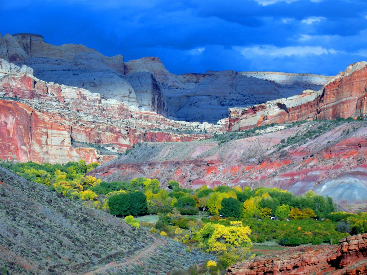 Place Image Gallery   Road Trip Route Planner  Map and Trip Guides     Photo of Capitol Reef National Park