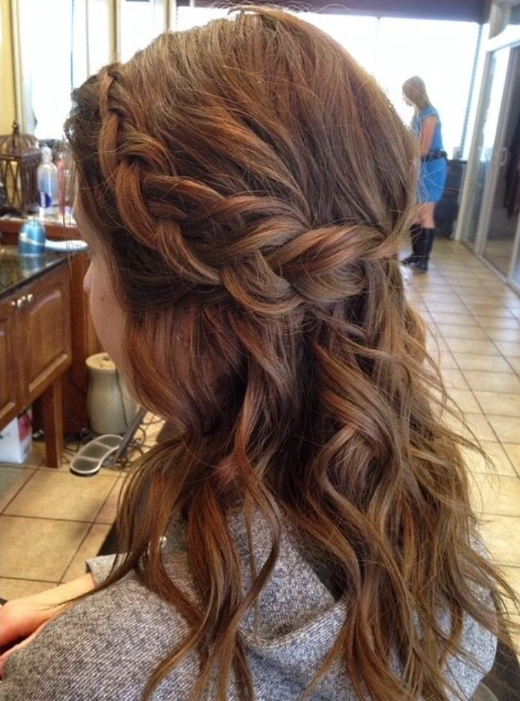 Pin By Shaylea Lanee On Prom Prom Prom Medium Hair Styles Medium Length Hair Styles Hair Lengths
