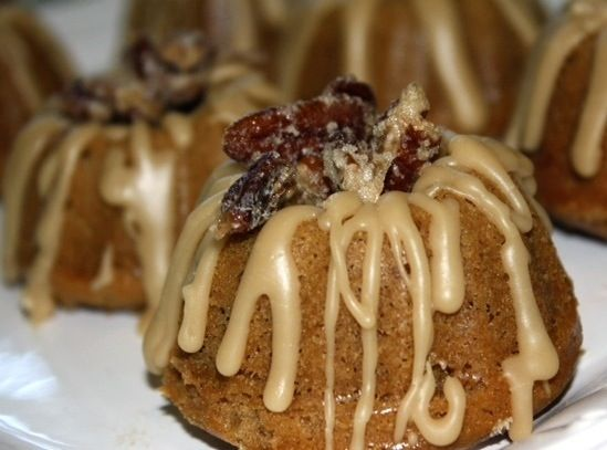 Pecan Praline Mini Bundt Cakes For My Sweet Tooth