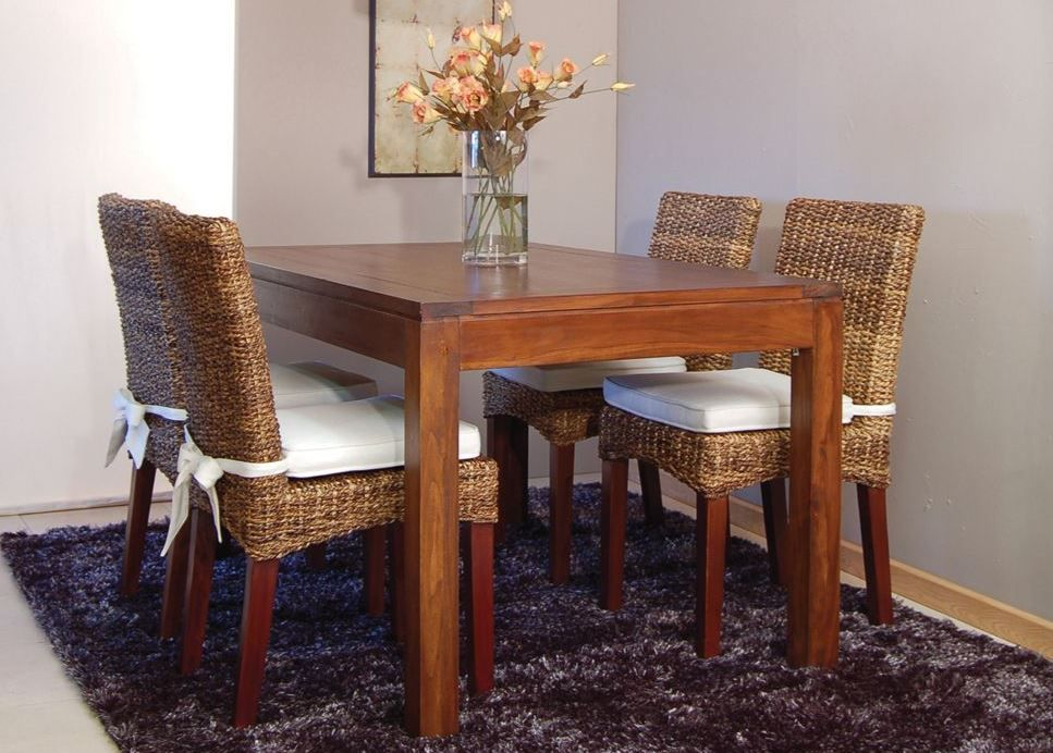 Mesa de comedor rectangular fija BASIC, de madera de teca color Basic. Estilo colonial, de Bambó Blau.