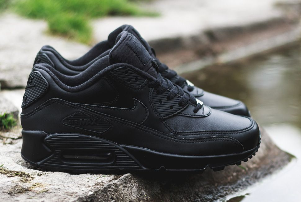 nike air max 90 triple black cheap