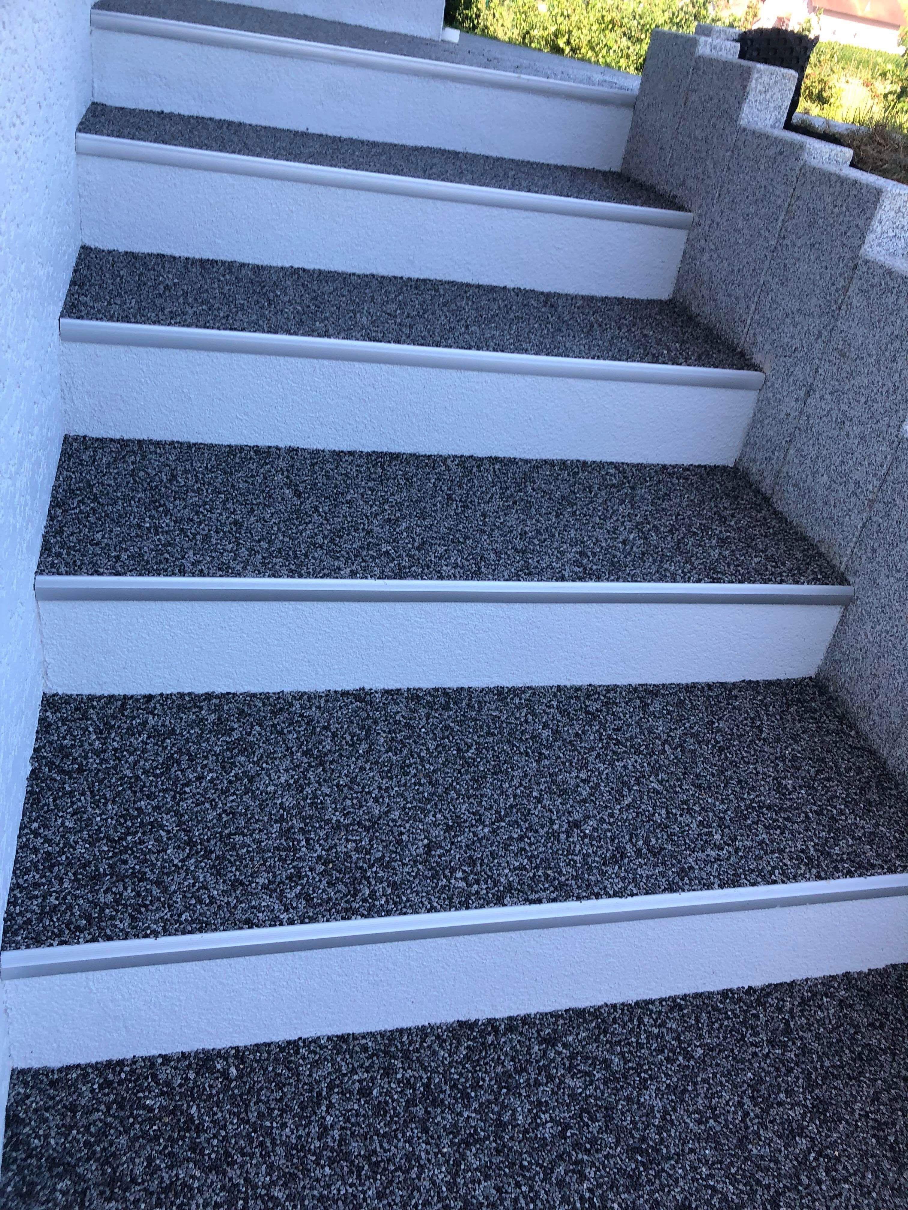 Pin Von Renata Mirelix Auf Escada Mit Bildern Treppenrenovierung Treppe Haus Aussenbereiche