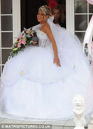 Meet the Big Fat American Gypsy Wedding dress designer who admits ...