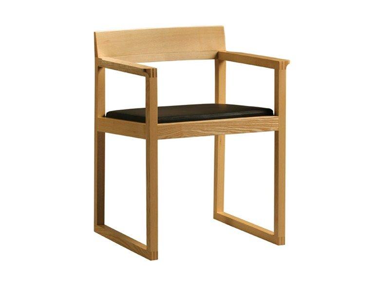 chaise en bois avec accoudoirs sedia