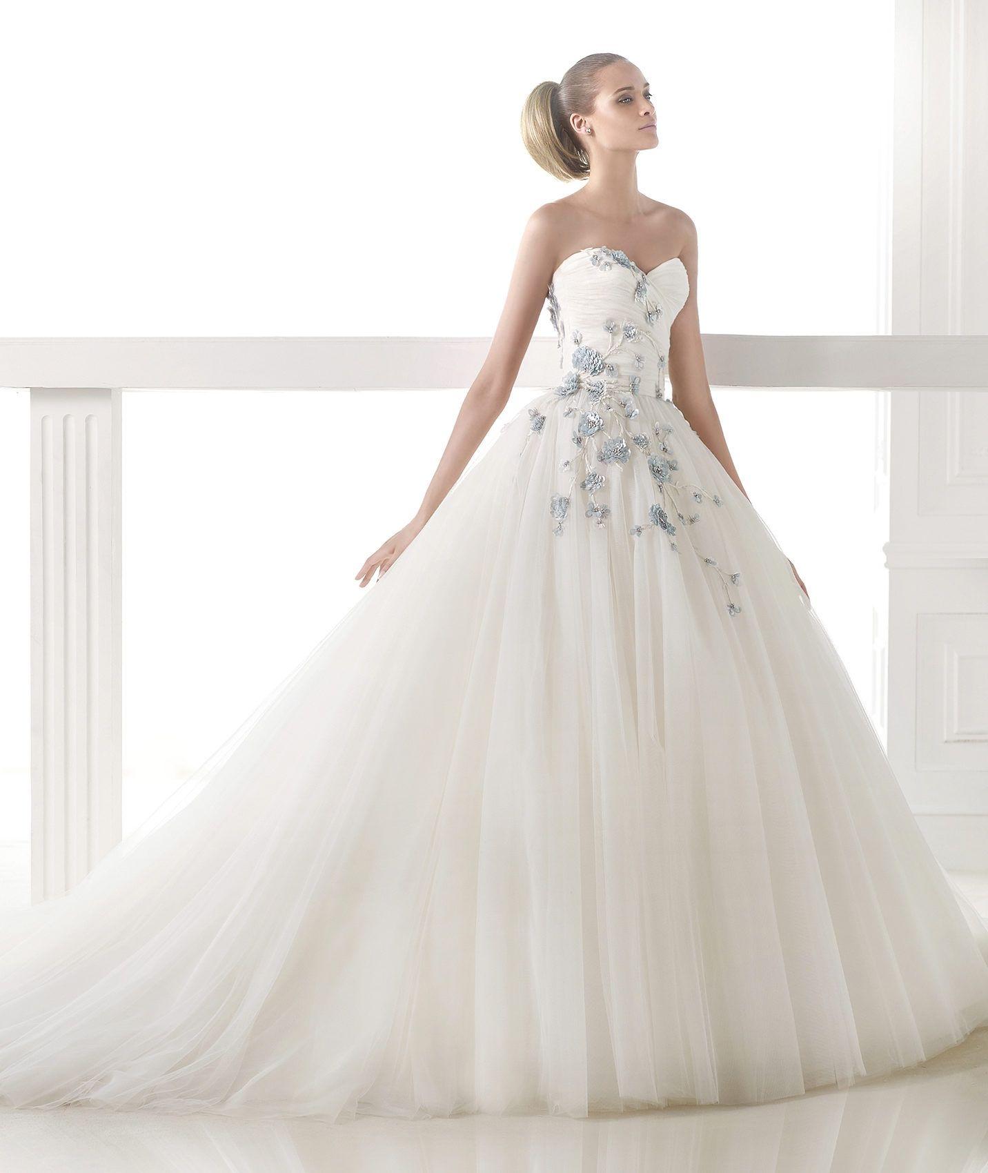 Vestido de novia corte princesa 2015