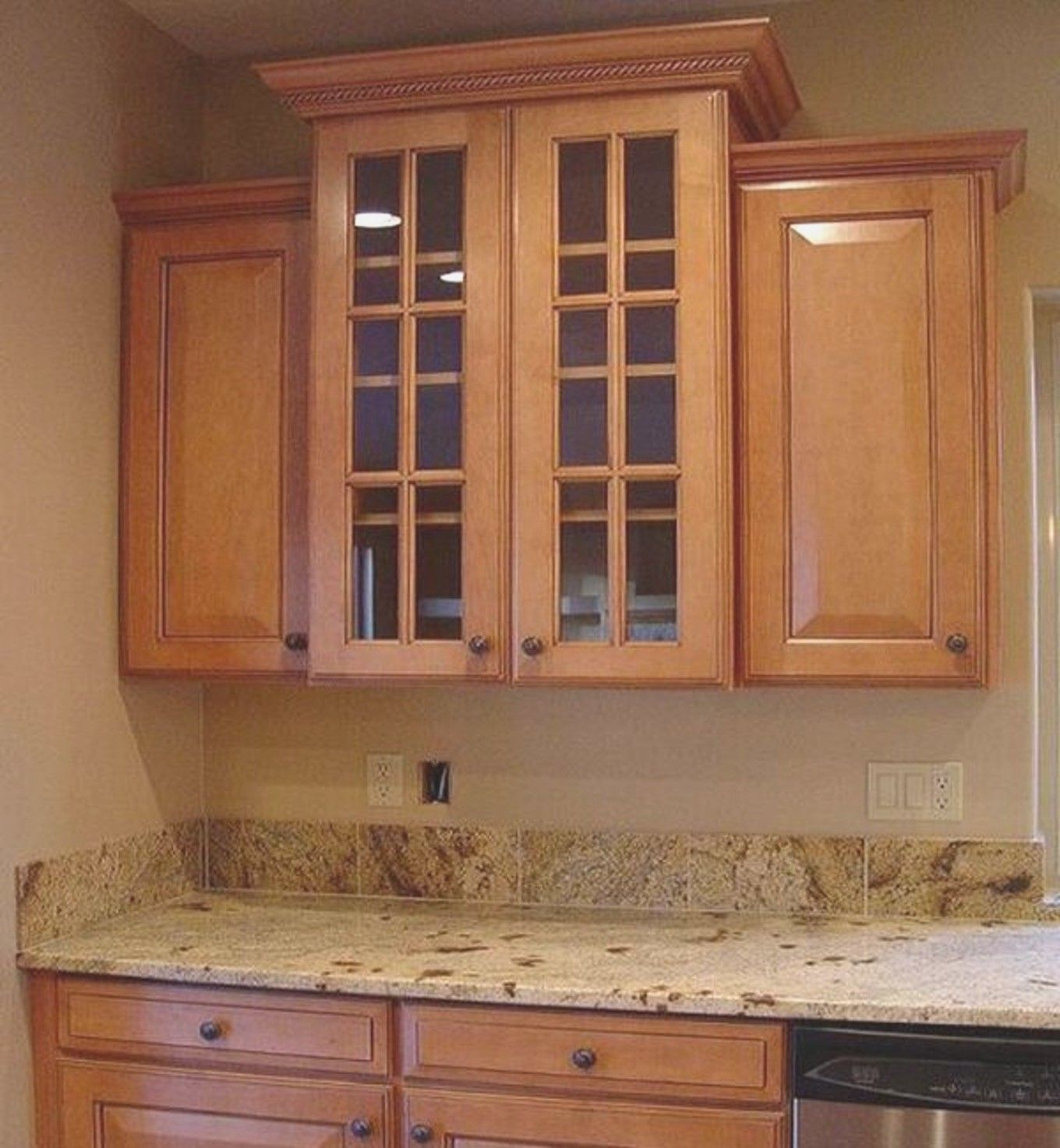 Kitchen cabinets with crown molding how to install upper kitchen