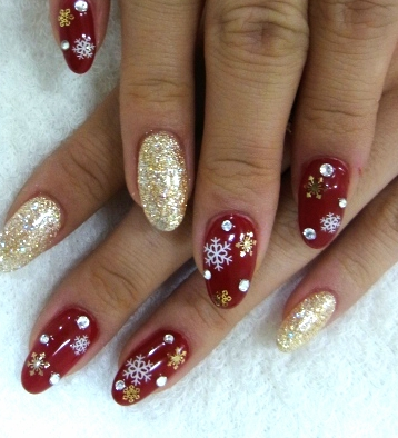 Another Reason I Miss Having Kidney Function Cant Get Fake Nails Anymore Would Love To Have These Festival Nails Red And Gold Nails Christmas Nail Designs