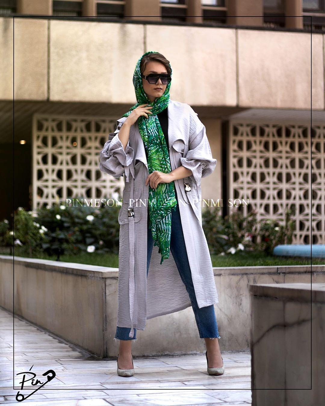 Code 10103 مانتو بنتون ژیله پیله طوسی رنگبندی طوسی Free سایزبندی قیمت T 145 000 تحویل ۲ ساعت در تهر Photography Women Fashion Women