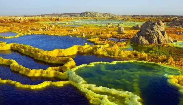 Amazing Views of Dallol volcanic Crater from Ethpiopia (17 Photos)