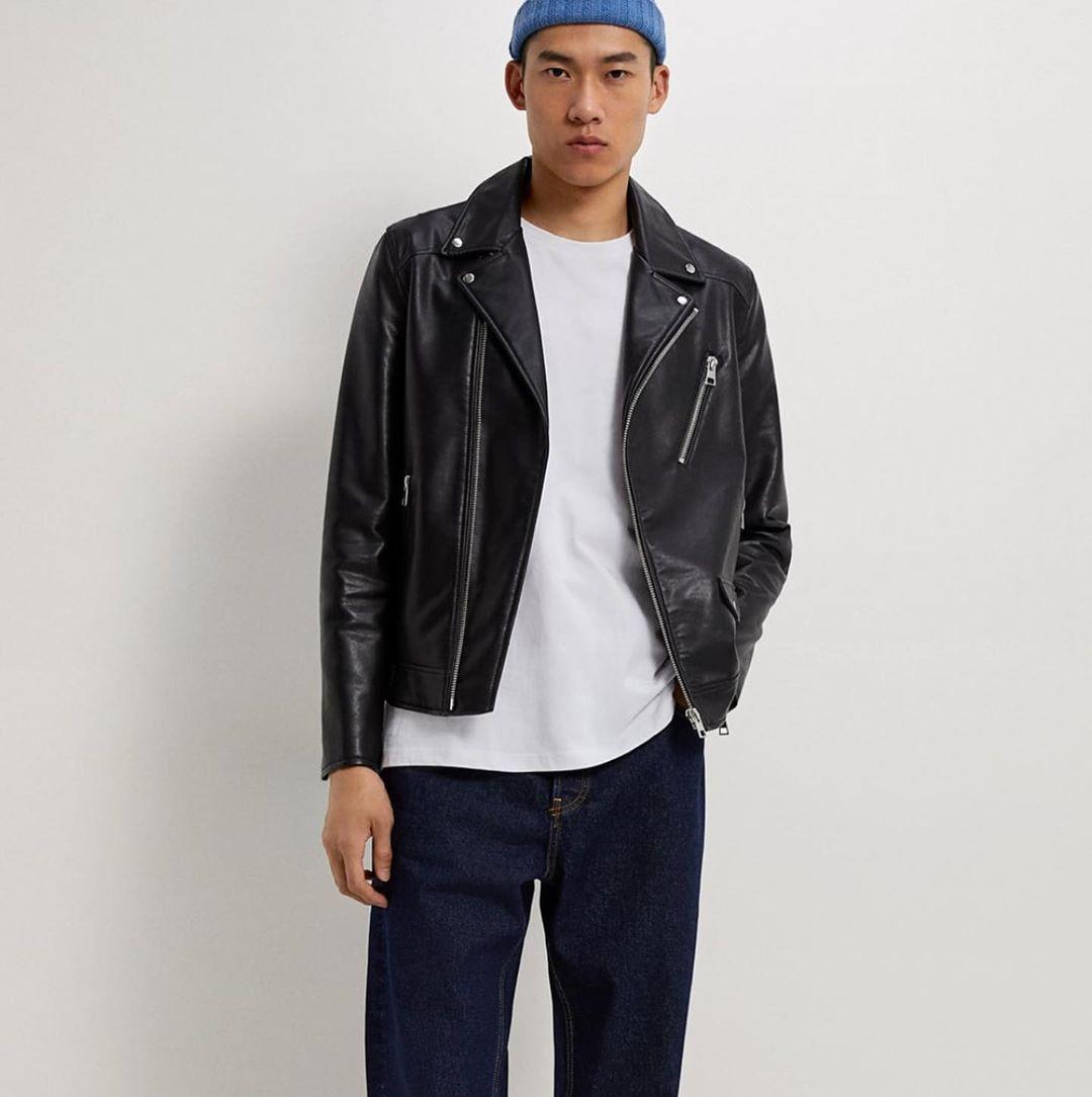 Zara Jacket جاكيت جلد رجالي من ماركة زارا بخامه راقية جدا للحجز او الإستفسار يرجى مراسلة الصفحة Fashion Jackets Leather Jacket