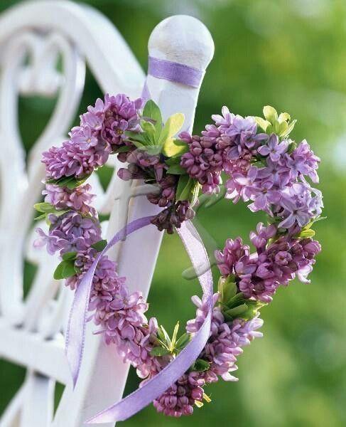 Bokeh Flowers Wedding: Purple And Green Heart Of Flowers / Bokeh