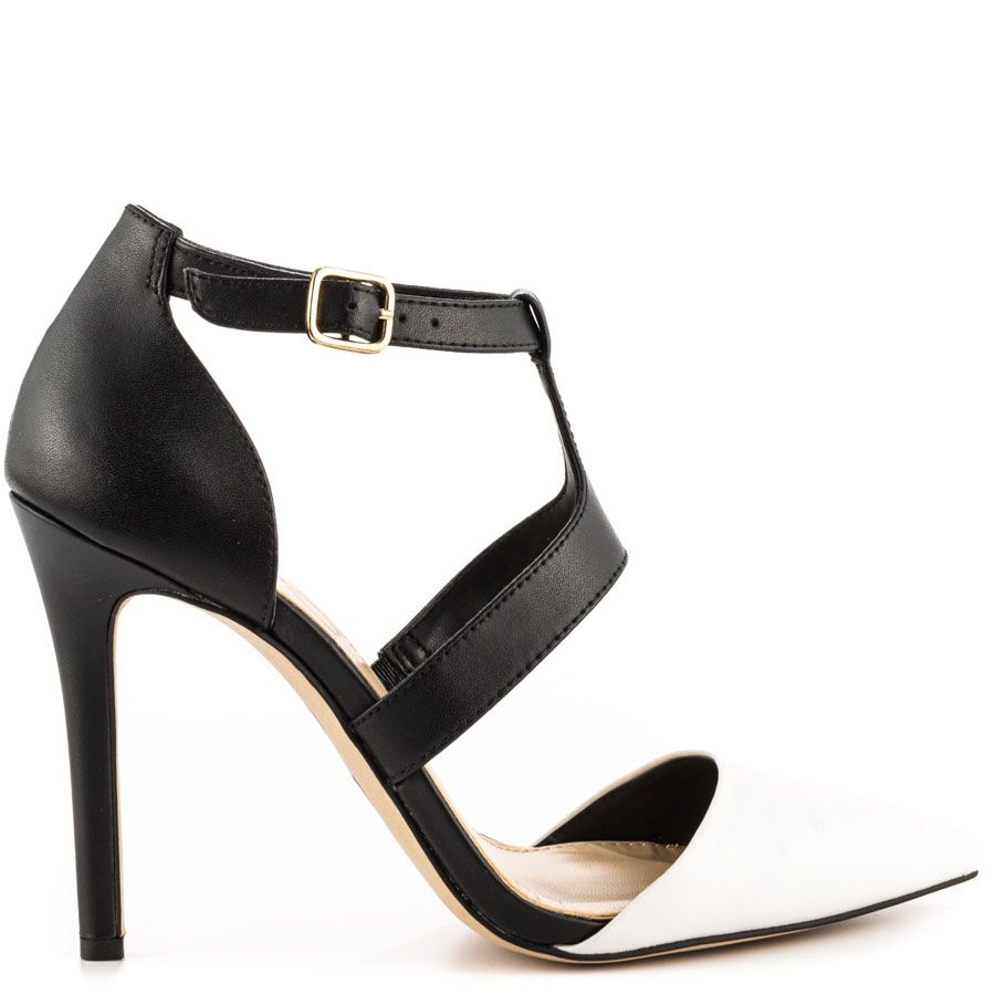 e51ad3c77768 You can t be stopped in the sultry Campsonne by Jessica Simpson. This chic