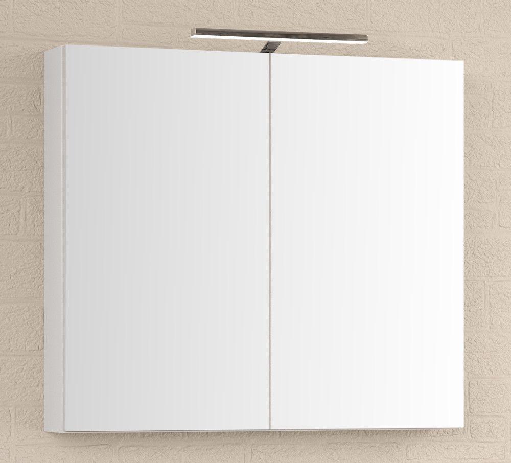 (Hinta 379 €) Tyylikäs Premium -sarjan peilikaappi LED-ylävalolla ja pistorasialla 80cm leveänä kiiltävän valkoisena. Korkeus 70cm, syvyys 13cm. Sisältää LED-ylävalon IP44 4000K, kaksipuoleiset peiliovet, soft close -hidastimet ovien saranoissa, 2 kp