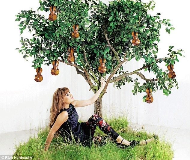 Nicola Benedetti (violin) on money, fame, and music, of course