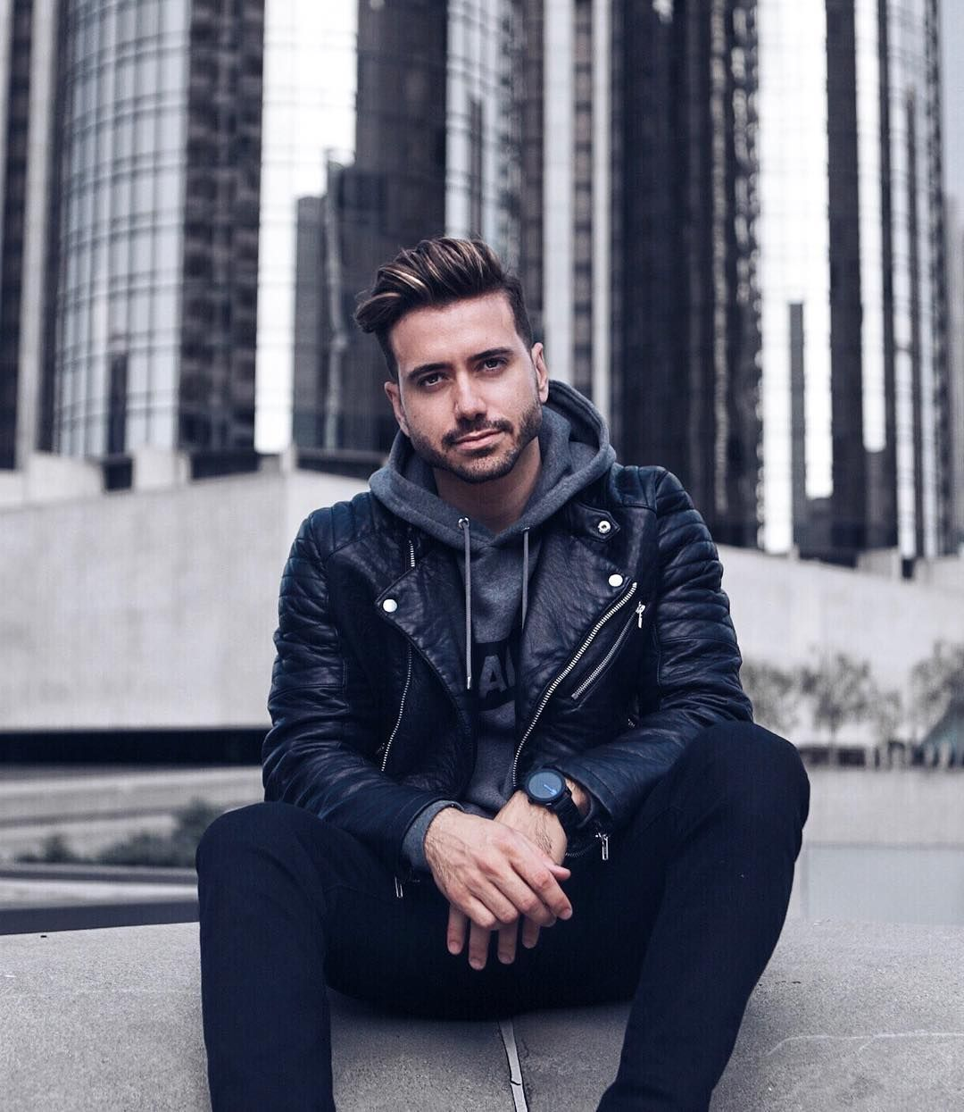 Https Www Instagram Com P Bzpfwuchnfm Hl Pt Br Leather Jacket Leather Jacket Men Mens Cold Weather Fashion [ 1245 x 1080 Pixel ]