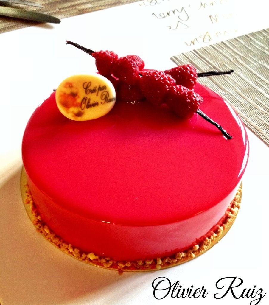 Bavarois vanille chocolat insert framboise entremets for Miroir framboise