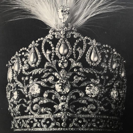 From Christie's David Warren, an image of a magnificent floral diamond and pearl tiara, probably worn originally by a ruler in India.
