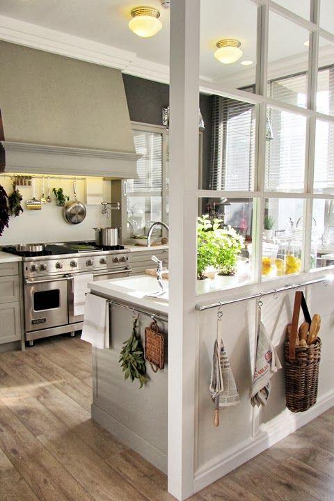 Sala de Jantar, Cozinha E Lavanderia Integrada!por Depósito Santa