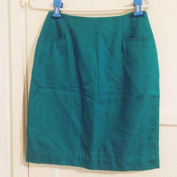 Saks Fifth Avenue skirt Pencil skirt. Turquoise / teal. Professional, office, business, dress suit. High waisted minimalist simple neutral. Silk Saks Fifth Avenue  Skirts Pencil