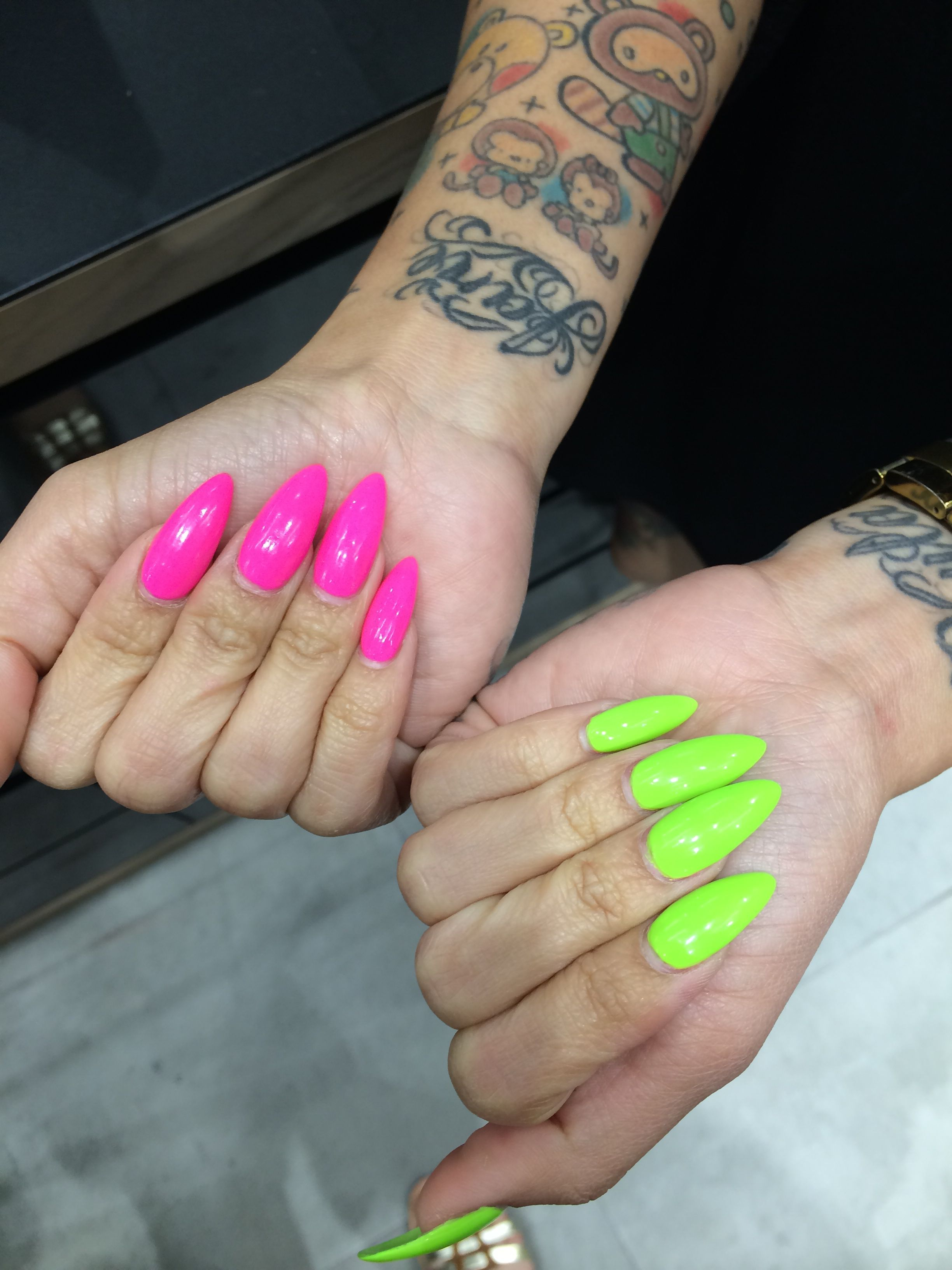 Neon Hot Pink And Lime Green Almond Nails I Love The Idea Of Neon Pink Nails Green Acrylic Nails Neon Green Nails