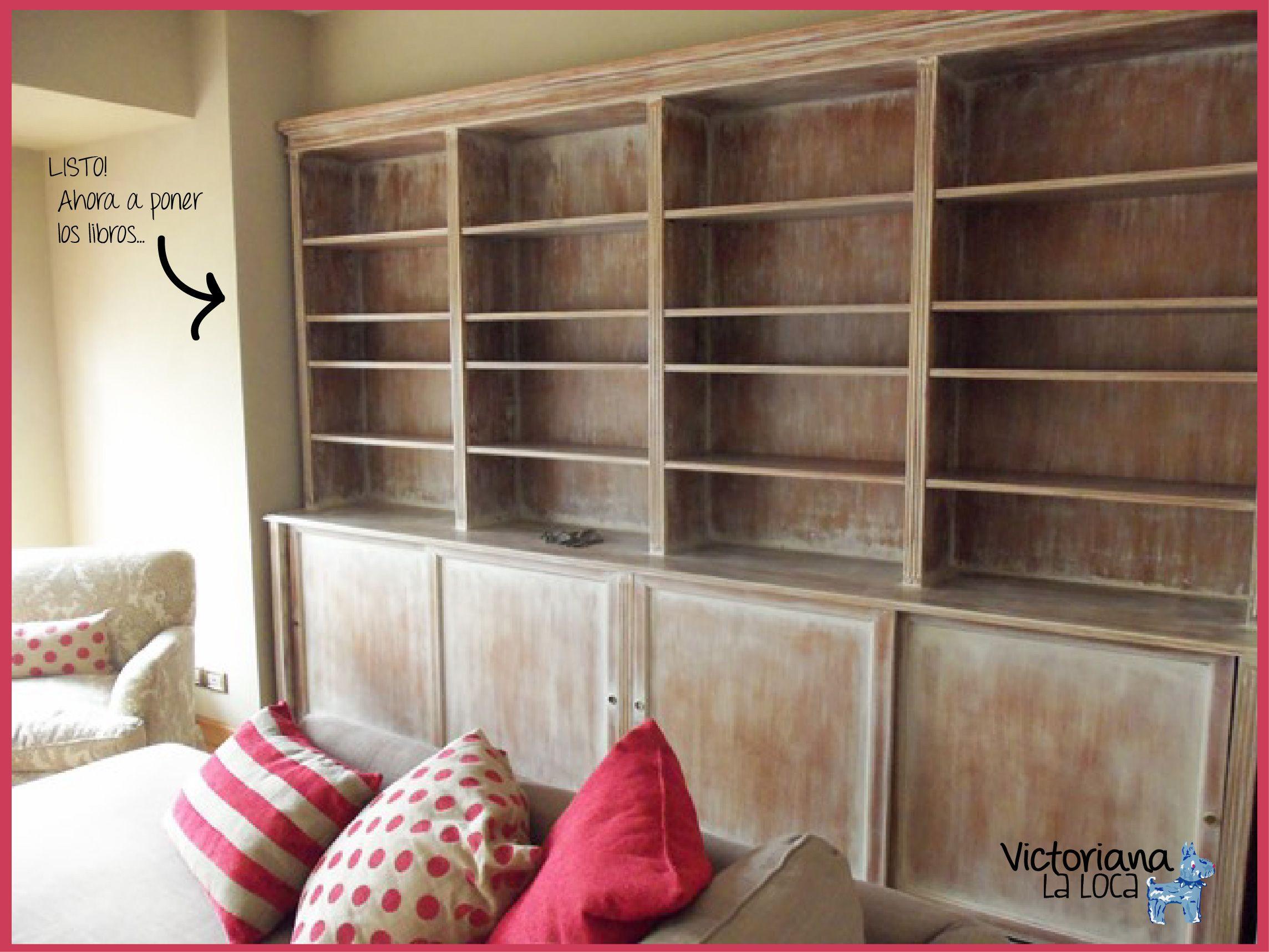 Super biblioteca de madera con p tina decapado en blanco - Muebles decapados en blanco ...